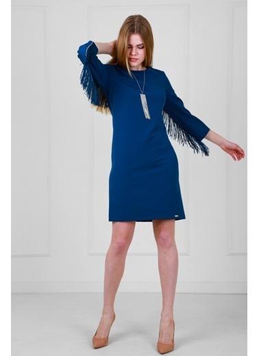 JEANNE D'ARC Sırtta Taş Ve Püskül Detaylı Kolyeli Truvakar Kol Elbise  Mavi
